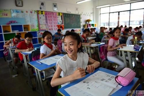 TQ: Bé gái 12 tuổi trở thành sinh viên trước khi tốt nghiệp tiểu học - 3
