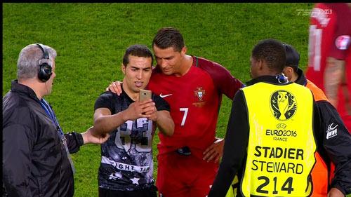 Ronaldo lập kỷ lục buồn: Đá phạt kém, đá 11m tồi - 2