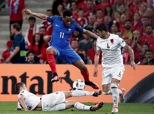Điểm yếu của tuyển Pháp là… Didier Deschamps - 3
