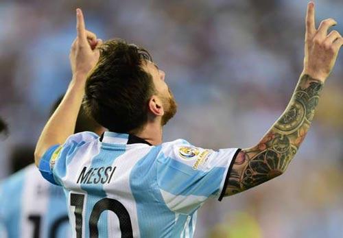 Messi vinh dự khi cân bằng kỷ lục ghi bàn của Batistuta - 1