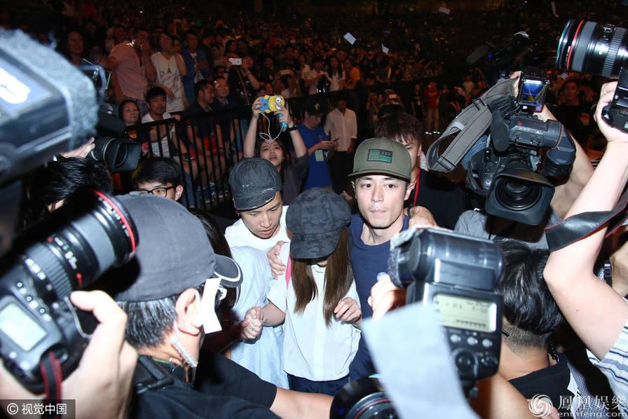 Lâm Tâm Như và bạn trai lần đầu xuất hiện công khai - 9