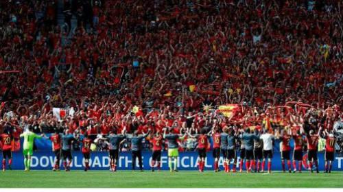 """Ảnh đẹp Euro 19/6: Ronaldo làm """"tan nát"""" trái tim người Bồ - 4"""