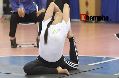 Những cô nàng xinh xắn dẻo dai ở giải Yoga TP.HCM 2016 - 8