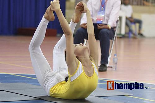Những cô nàng xinh xắn dẻo dai ở giải Yoga TP.HCM 2016 - 2