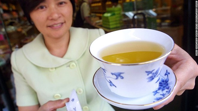 Khoa học phương Tây khẳng định công dụng tuyệt vời của trà xanh - 1