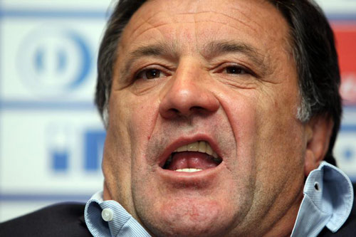 Fan Croatia lại mưu làm loạn, khiến tuyển nhà bị loại - 2