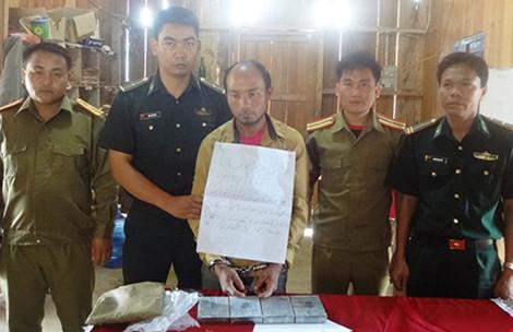 Phối hợp bắt nghi phạm người Lào mang heroin vào VN - 1