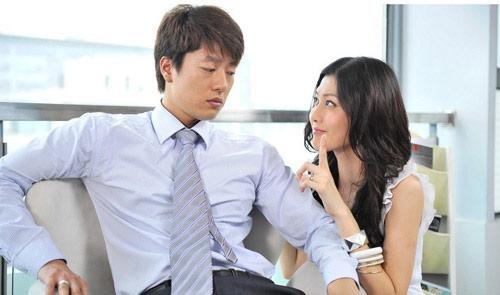 Ngày ly hôn, vợ thú nhận có khối tài sản vài chục tỷ - 1