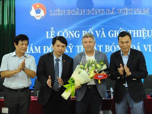 Jürgen Gede chính thức làm Giám đốc kỹ thuật BĐ Việt Nam - 1