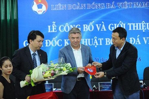 Jürgen Gede chính thức làm Giám đốc kỹ thuật BĐ Việt Nam - 2