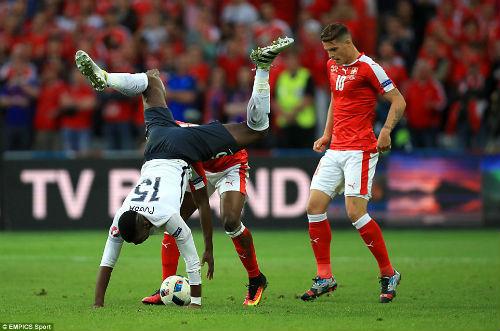 """Ảnh đẹp Euro 20/6: Pogba chúc mừng """"Ngày của bố"""" - 6"""
