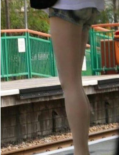 Sự thật về đôi chân nuột nà khiến dân mạng ngã ngửa - 1