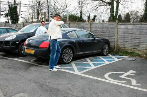 Định giá dàn xế khủng của chân sút Cristiano Ronaldo - 9