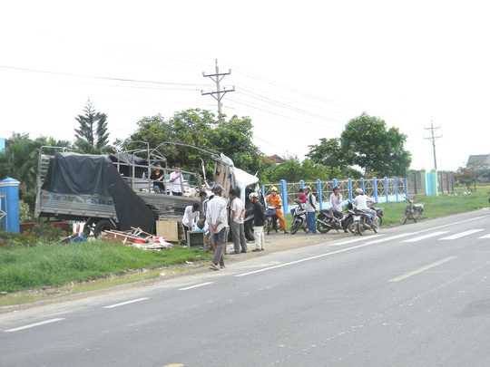 Xe tải và xe container đối đầu, 2 tài xế chết tại chỗ - 2