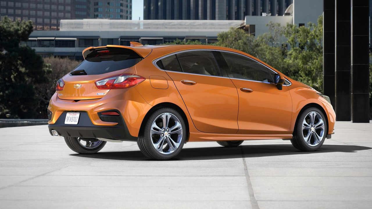 Chevrolet Cruze Hatchback 2017 sắp lên kệ, giá phải chăng - 2