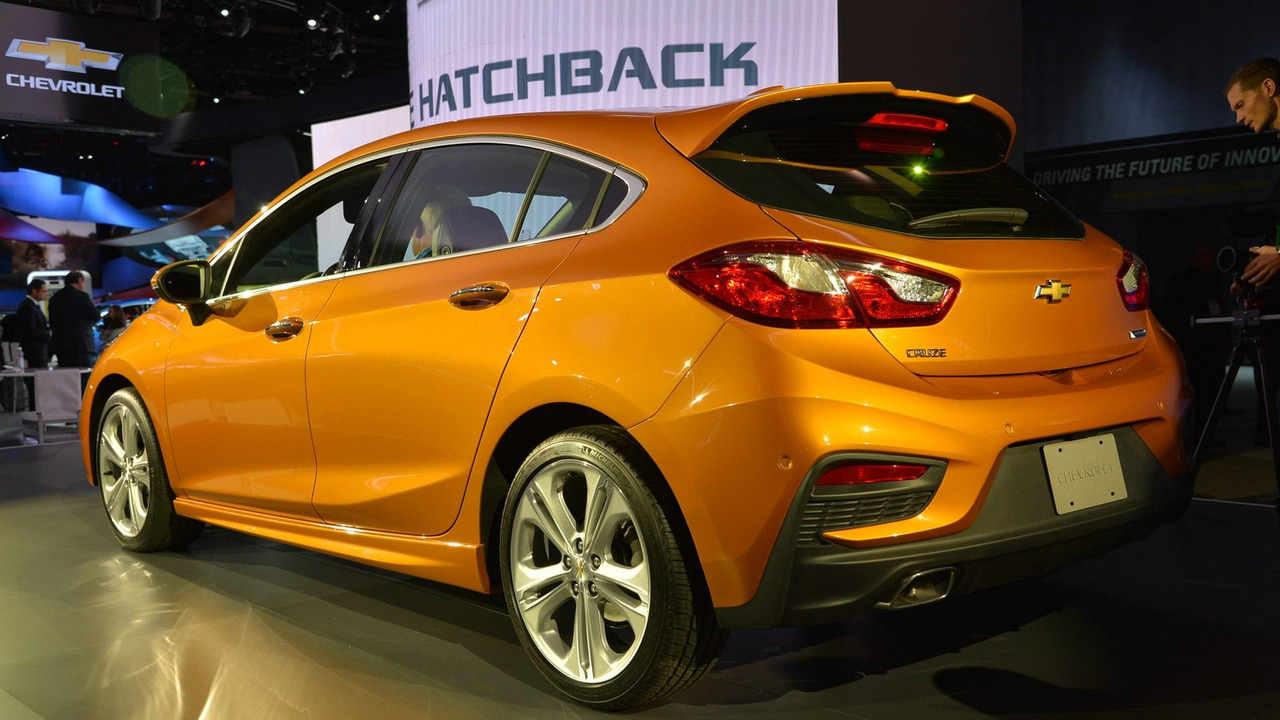 Chevrolet Cruze Hatchback 2017 sắp lên kệ, giá phải chăng - 4