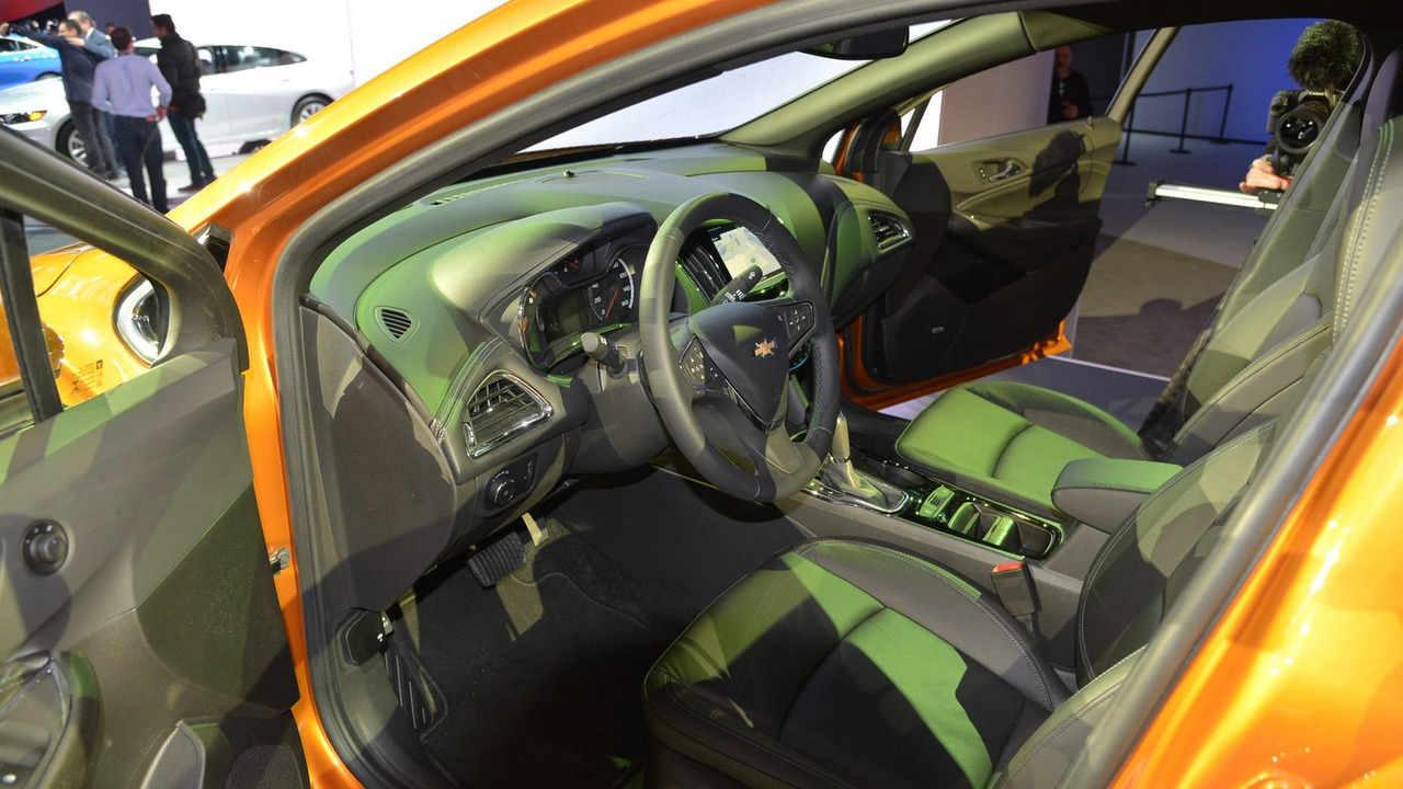 Chevrolet Cruze Hatchback 2017 sắp lên kệ, giá phải chăng - 6