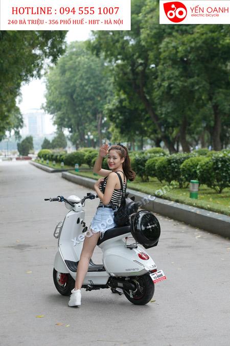 """Bắt gặp Hotgirl xứ Nghệ """"hẹn hò zai lạ"""" trong công viên - 2"""