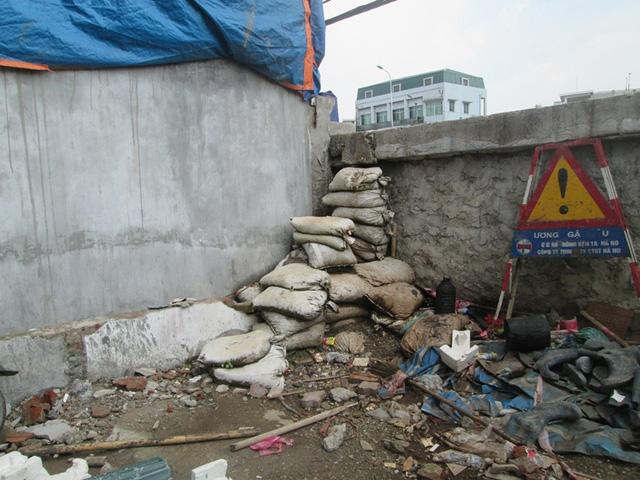 Hà Nội: Đường nghìn tỷ làm xong bịt lối vào nhà dân - 4