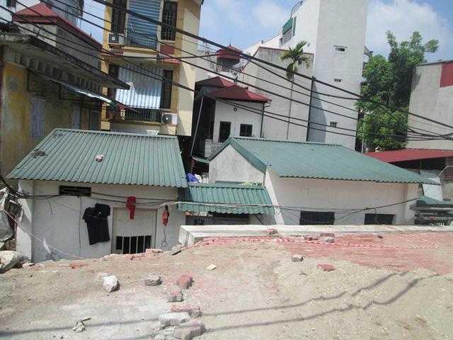Hà Nội: Đường nghìn tỷ làm xong bịt lối vào nhà dân - 1