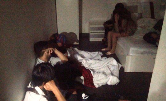 Đột kích khách sạn, phát hiện cả trăm nam nữ nghi sử dụng ma túy - 2