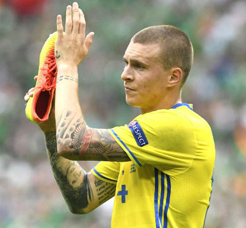 """Ảnh đẹp Euro 21/6: Ramos, Ibra đọ tài """"vua hình xăm"""" - 6"""