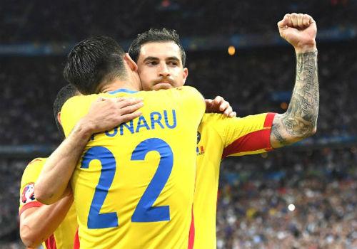 """Ảnh đẹp Euro 21/6: Ramos, Ibra đọ tài """"vua hình xăm"""" - 7"""