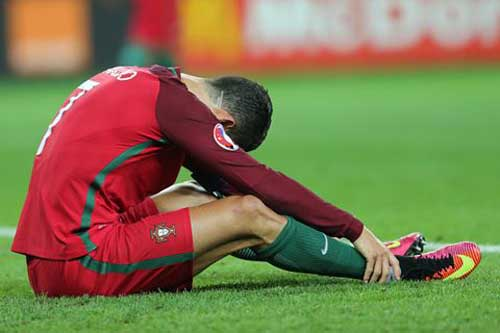 """Hungary - Bồ Đào Nha: """"Chiếc lò xo"""" Ronaldo - 2"""