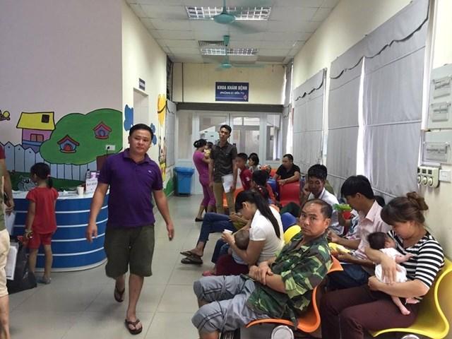 Bệnh viện Nhi Trung ương đổi lịch khám, bắt đầu từ 7h sáng - 1