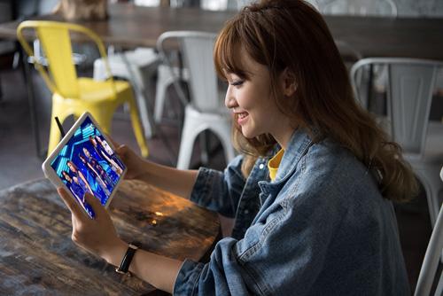 """Giải trí đỉnh cao cùng Galaxy Tab A6 10.1"""" - 1"""