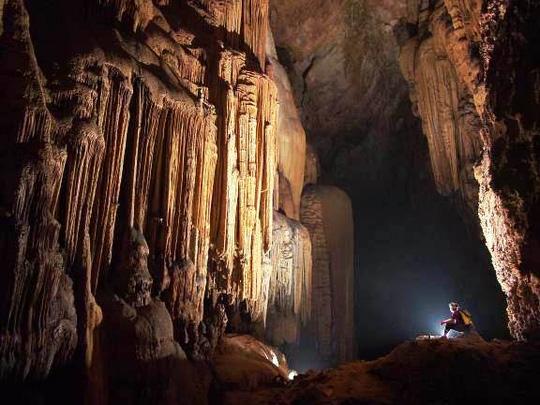 Phát hiện thêm hàng chục hang động kỳ vĩ tại Quảng Bình - 4