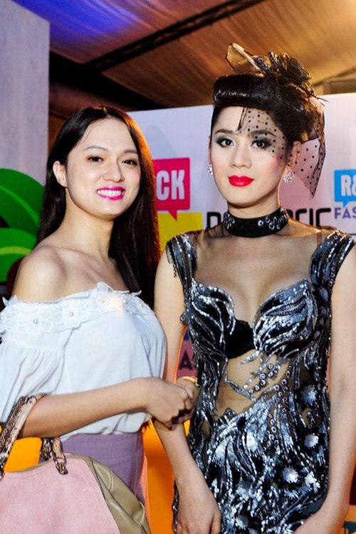 Huong Giang Idol va Lam Chi Khanh - 2