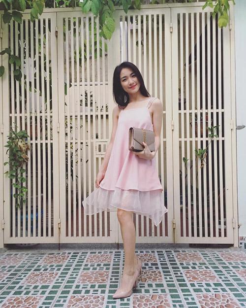Ca sĩ Hòa Minzy - 2