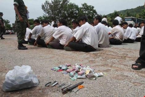 Thủ tướng Thái Lan mạnh tay xóa xổ các băng nhóm trường học - 1