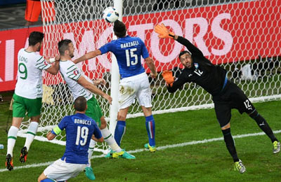 Truc tiep Italia vs CH Ireland - 3