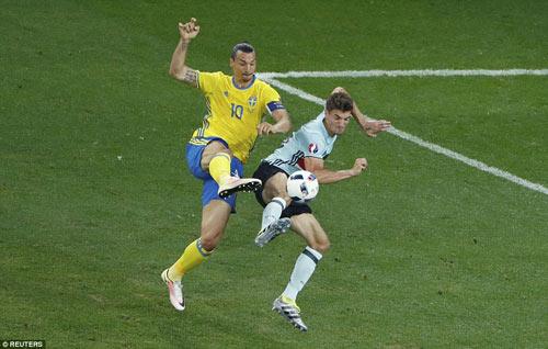 """Toàn cảnh Ibrahimovic """"cháy"""" lần cuối cùng ĐT Thụy Điển - 6"""