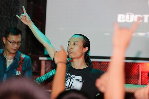 Liveshow Ngay hom qua Buc Tuong - 12