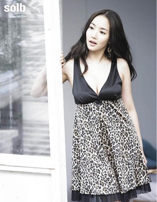 Than hinh nong bong cua Park Min Young - 10