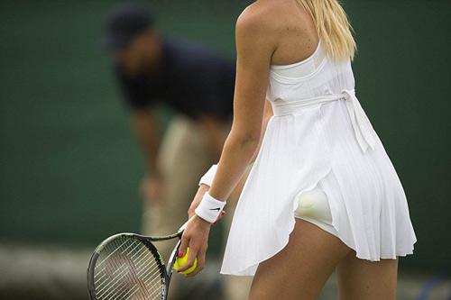 """Wimbledon gợi cảm: Váy áo nữ """"có như không"""" - 1"""