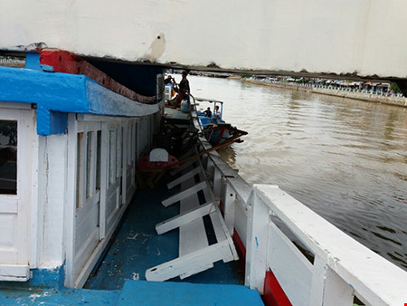 Giải cứu thành công tàu mắc kẹt dưới cầu Lê Hồng Phong - 4