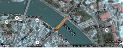 Giải cứu thành công tàu mắc kẹt dưới cầu Lê Hồng Phong - 10