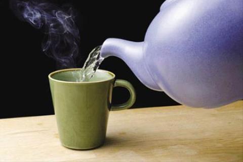 Uống nước nóng có thể gây ung thư thực quản - 1