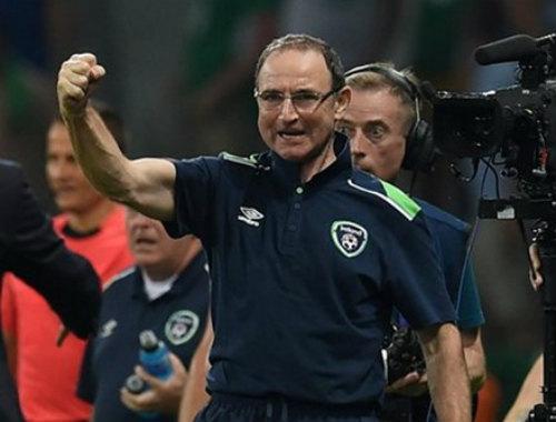 HLV Ireland hân hoan với 'cơn địa chấn' trước Italy - 1