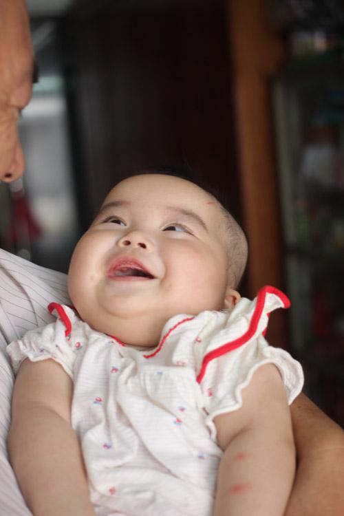 Người đàn bà 53 tuổi vỡ òa hạnh phúc khi được làm mẹ - 5