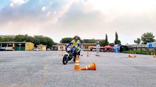 Vững tay lái, trọn đam mê với Y-MOTOR SPORT - 2