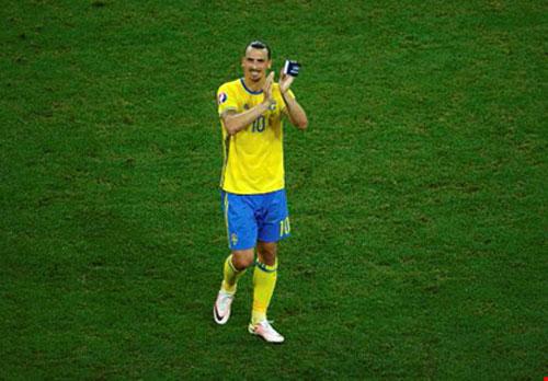 Ibra chia tay đội tuyển: Chỉ nhớ về những ngày tươi đẹp - 1