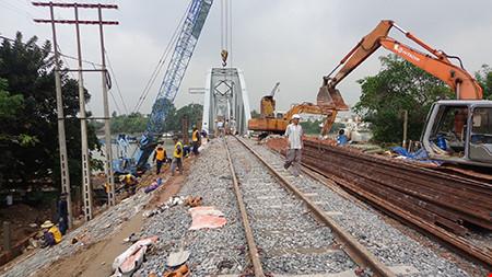 Chùm ảnh: Cầu Ghềnh mới trước ngày thông tàu - 11