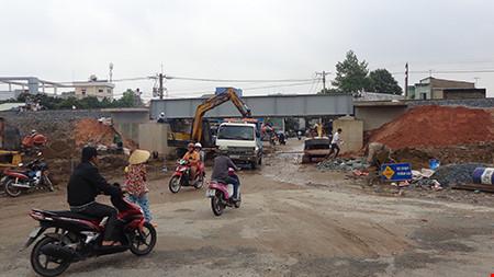 Chùm ảnh: Cầu Ghềnh mới trước ngày thông tàu - 12