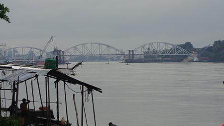 Chùm ảnh: Cầu Ghềnh mới trước ngày thông tàu - 2