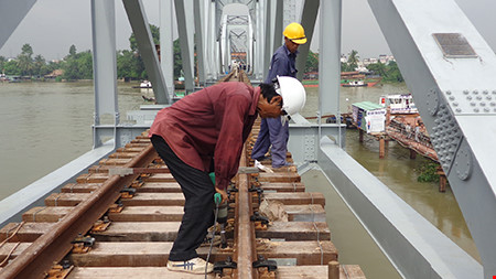 Chùm ảnh: Cầu Ghềnh mới trước ngày thông tàu - 6